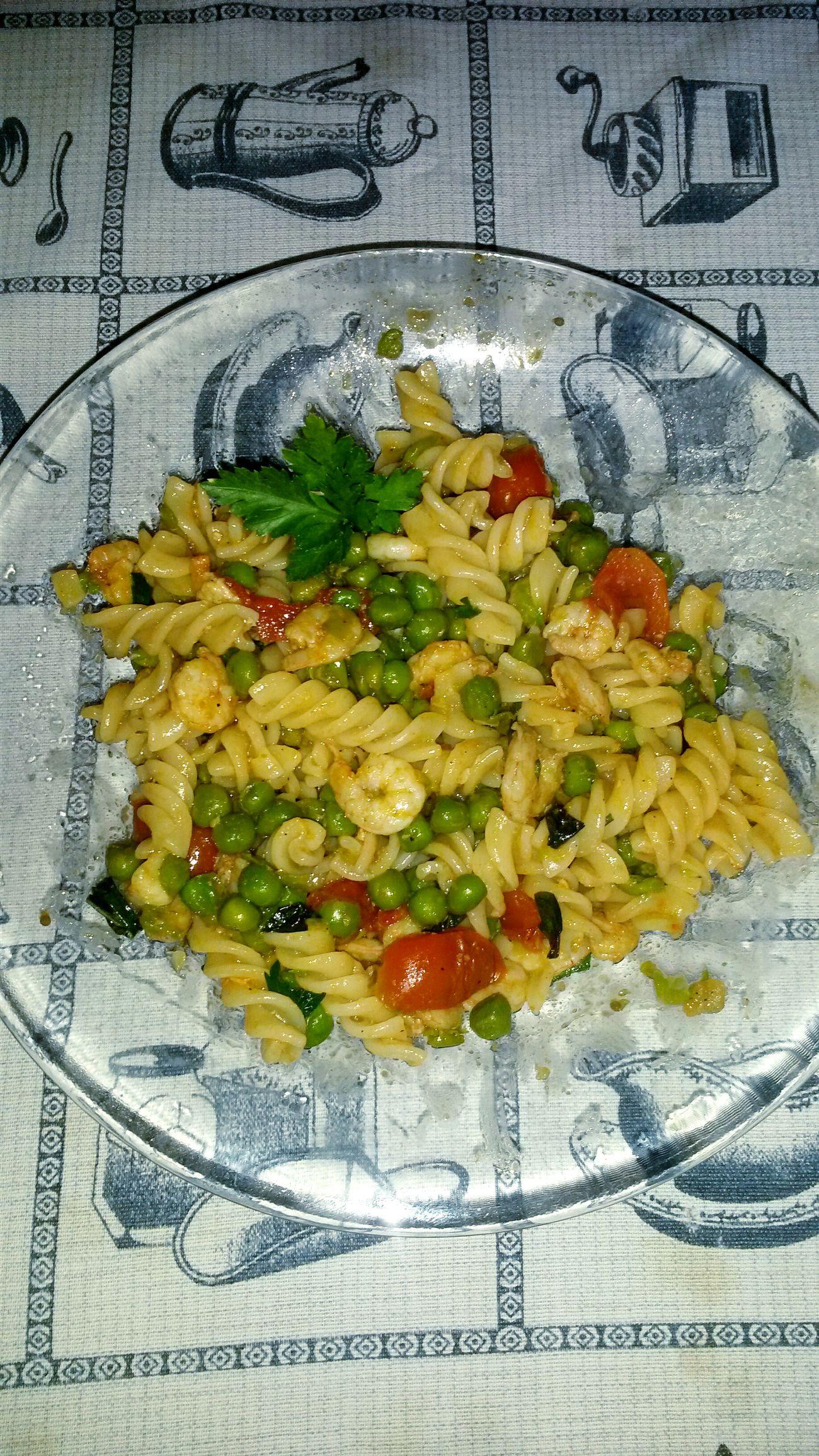 Risultato. Gnam Gnam Fusilli Ciliegino Piselli Gamberetti Prezzemolo Basilico Loveitaly Italian Food