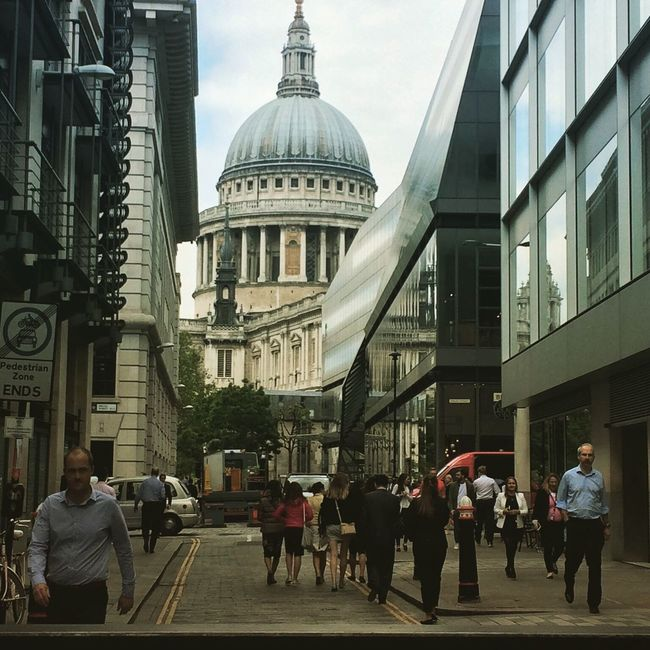 St Paul's Cathedral street view Busy People Hello World Taking Photos Taking Photos