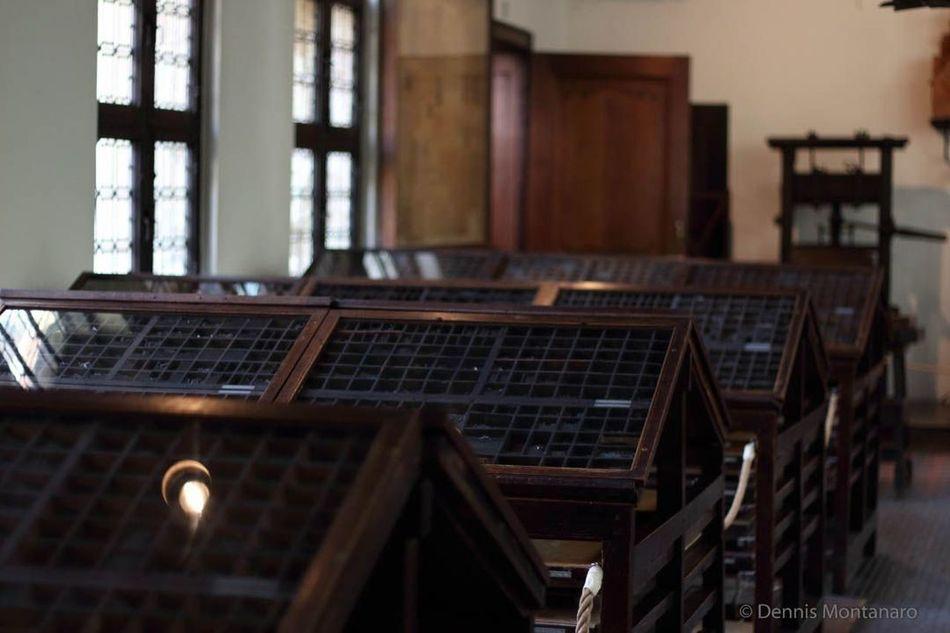 Antwerp, Belgium Type Cases Printing