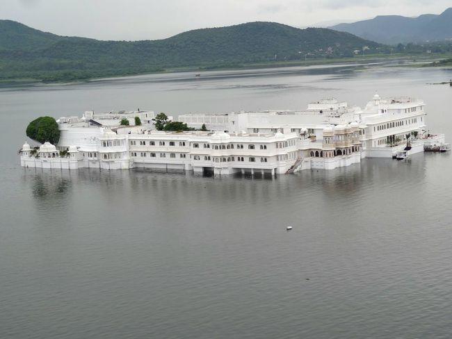 The Great Outdoors - 2015 EyeEm Awards Lakepalace Udaipur Beautiful Landscape Lake View Hills