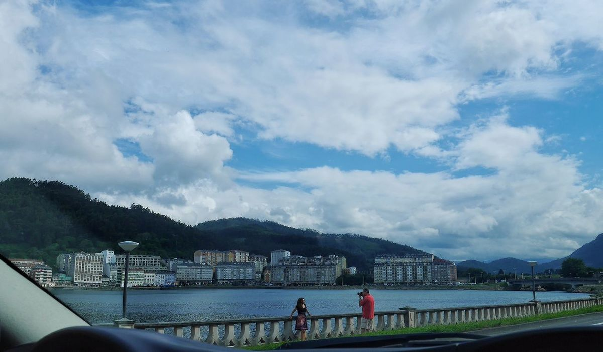 La vida al pasar.... The Human Condition From My Point Of View Enjoying The View Precious Moments Of Life Clouds And Sky Galicia, Spain Viveiro