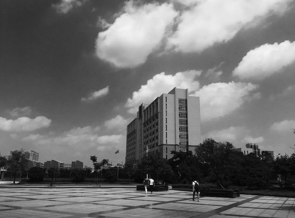Hello World Taking Photos Enjoying Life Studying Cheer Life Black And White Work Time Popular Photo Blue Sky Relaxing