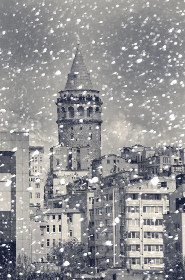 bosphorus city❄️ galata tower istanbul⛄️ Turkey Istanbul Taksim Love Enjoying Life Instagram.com/cihan_genc First Eyeem Photo Hello World That's Me Popular Photos