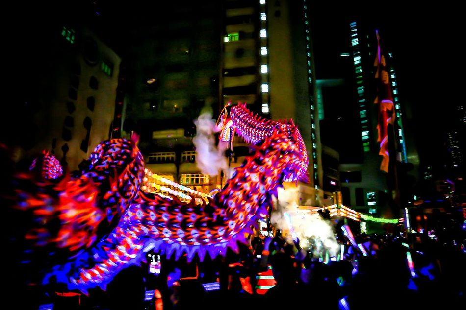 龍在九天 - 夜光龍 Luminous Night Dragon Dance 2016 Night Lights Tai Kok Tsui Temple Fair 2016 Lowlight Lowlightphotography Night Lights, City Night Lights, Cityscapes, Motion Blur, Night Photography Street Photography Light And Shadow Nightlights EyeEm Gallery Capture The Moment Hong Kong