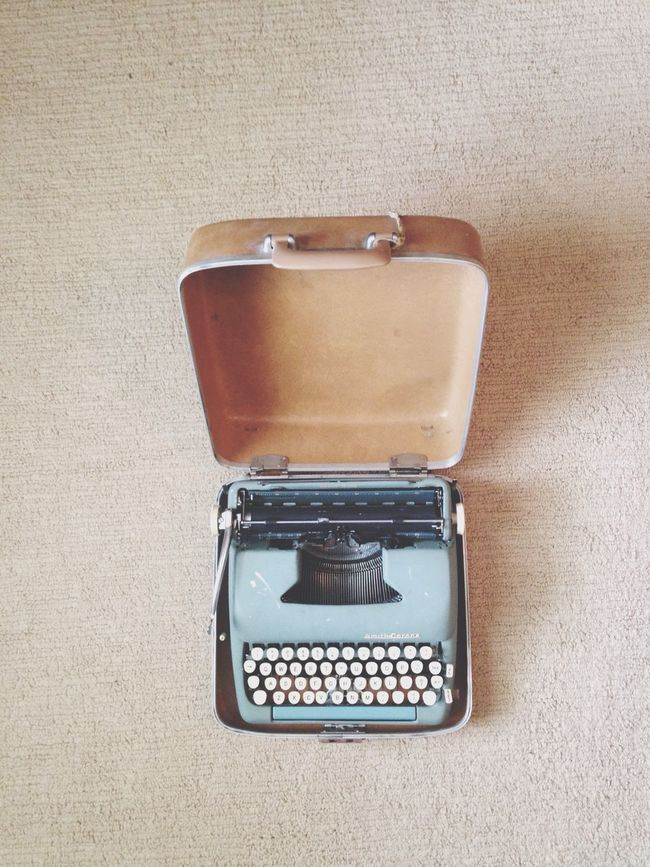 Supernormal Typewriter The 40s Traveling Words
