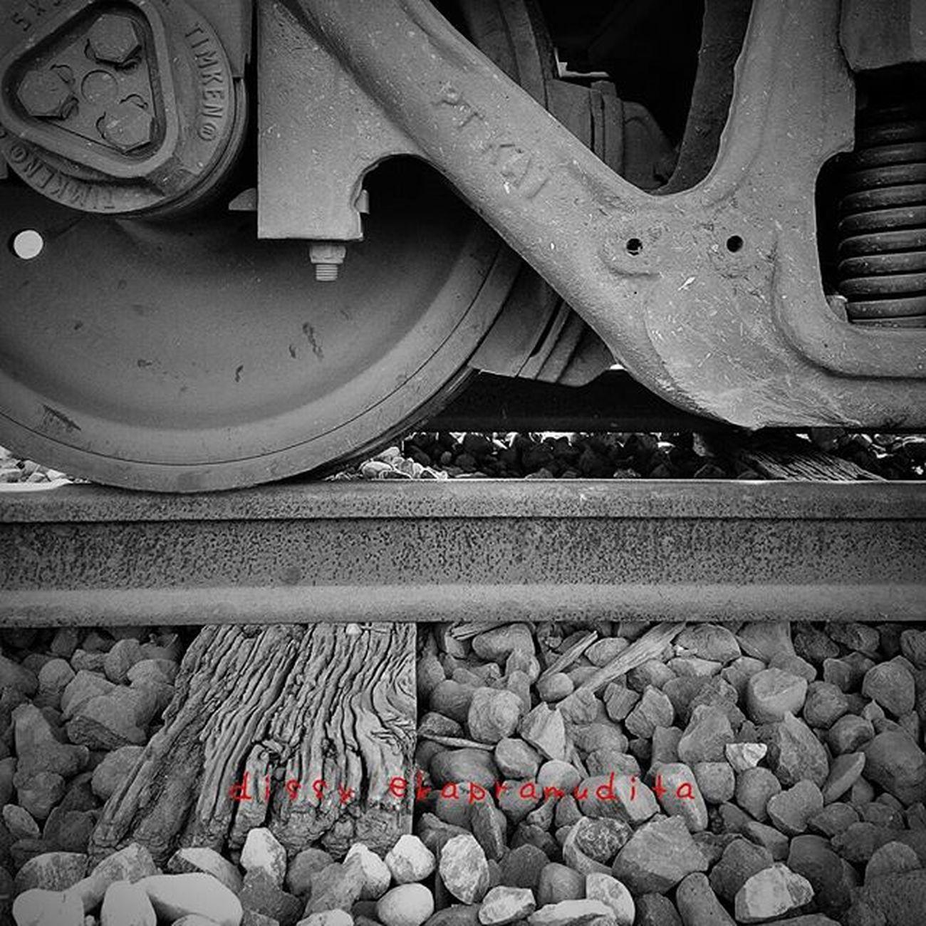 Strong wood Oldwood Railroad Train 1000kata INDONESIA Stasiunbanyuwangibaru Eastjava Natgeotravel Nationalgeographic Asiangeographic Instalike Instagram Instagood Instadaily Instamood