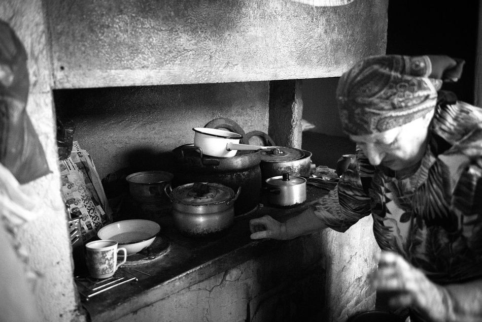 Age Anno Domini Authentic Authentic Moments Black And White Blackandwhite Domestic Life Kitchener Life Lifestyles Old Age Old Dishes Portrait Pots Real Real Life Real People Reality Rustic Senescence Senior Adult Vintage Lieblingsteil Miles Away EyeEmNewHere Women Around The World