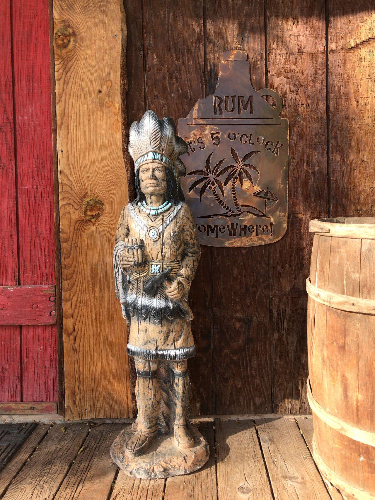 Wood Wooden Wood Art Wood Carving Shootermagazine Malephotographerofthemonth Shootermag_usa Streamzoofamily Sculpture Statue Headdress Native American Indian Youmobile Headwear