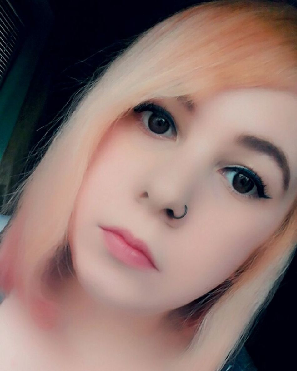 Me ThatsMe Portrait Portraits Portrait Of A Woman Selfie ✌ Selfies Self Portrait Shorthair Hairstyle Metalhead Plugs Makeup Eyes Lips Lipstick Coloredhair Piercing Picoftheday Photooftheday Like4like Girl Woman Alternativegirl Blonde