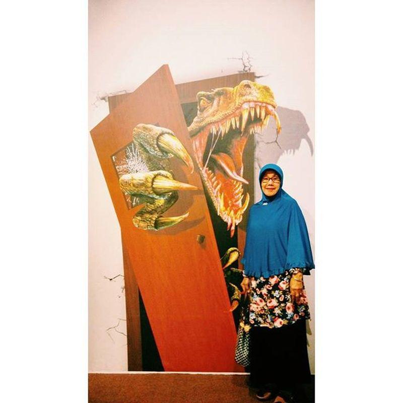 LOVE//YOU Momsday Lafyutothemoonandback Hijabers Raptor Dinosaur Jamanjurasik Dibikinasik Inshaallah Gaknakallagi Doainsukses Proudofyou