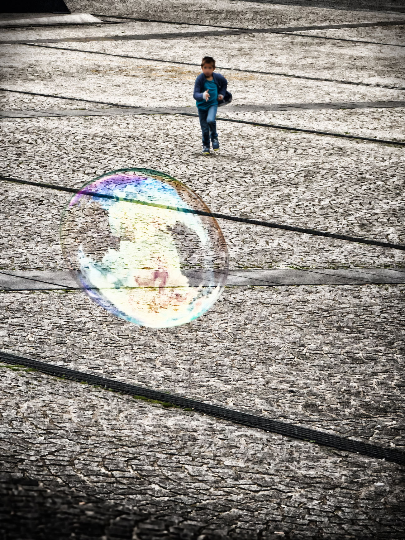hunting the soap bubble Boy Day Full Length Junge Kid Leisure Activity Lifestyles Outdoors Rennen Running Seifenblase Soap Bubble First Eyeem Photo