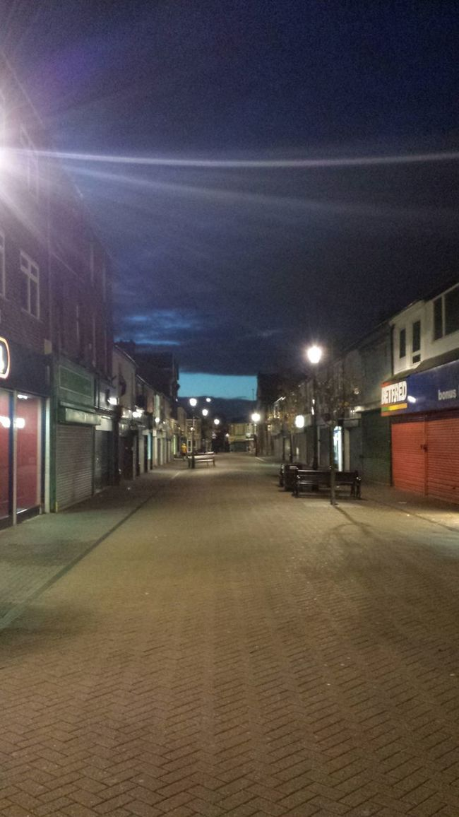 Earlstown High Street this morning, way to early for this lol Earlstown Night Time Been Coming Here Since I Was A Kid Market Time