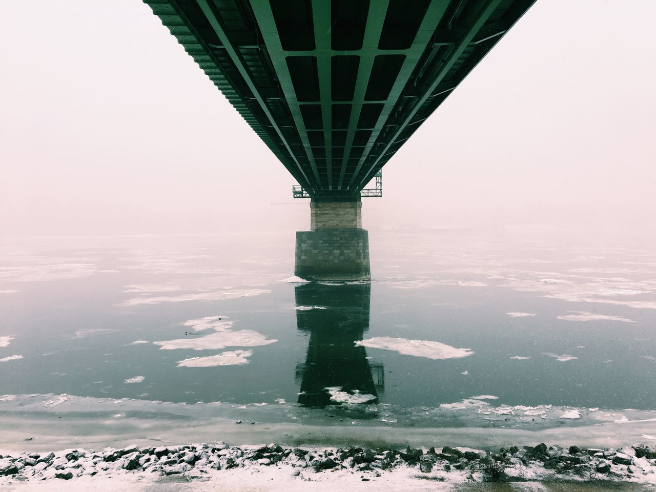 Man Made Object Construction Industry Foggy Day Budapest Perspective Snow ❄ Green Industrial City Life Public Transportation Railway Rail Transportation Bridge - Man Made Structure Bridge River Architecture Sky Outdoors Tranquil Scene Beauty In Nature Cold Temperature Snow Winter Nature Adapted To The City EyeEmNewHere