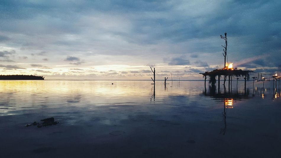 Beauty of Reflection Taking Photos Early Morning Seaside Beach Reflections Sky Horizon Seascape Week On Eyeem Eyeemphoto Exploringmaldives Islandlife Feel The Journey Outdoors Nature Travel Photography Color Palette The Magic Mission Fine Art Photography Horizon Over Water Dhivehi Raajje in Th.Kinbidhoo, Maldives ތ.ކިނބިދޫ ދިވެހިރާއްޖެ