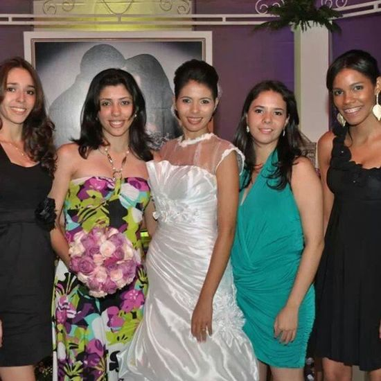 Casorio da Vanessa... noivinha linda... em novembro 2011.... ha tempos rs Amanda Karol Fer