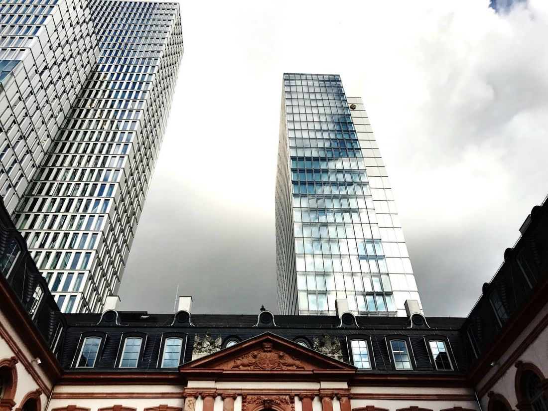 Architecture Built Structure Low Angle View Building Exterior Skyscraper Modern Sky Day City No People Outdoors Frankfurt Am Main Frankfurtlovers Clouds And Sky Skyscrapers Architecture Geometry Palais Bad Weather On Its Way Clouds Gewitterstimmung Frankfurt Lookingup Hof City