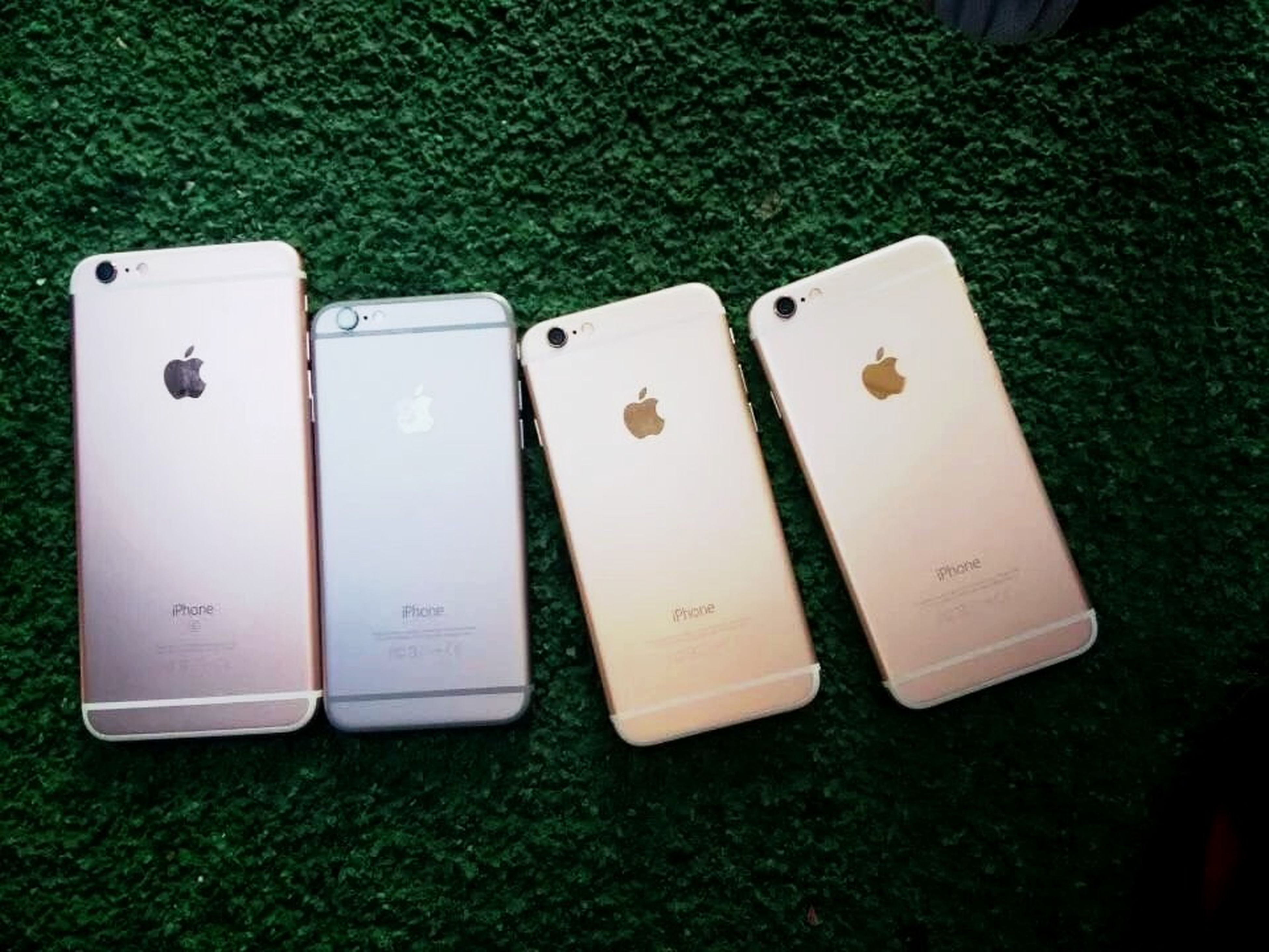 with iphones📱📱📱📱 Iphone6 S