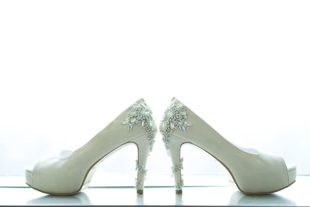 Cinderella proof that a pair of nice shoes can change ur whole life Cinderella Shoes Wedding Weddingshoes Royal White Wedding Photography POTD Beautiful Lovely Qotd