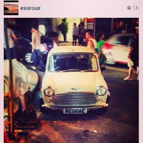 """""""Reggae night, we come together when the feeling's right, Reggae night, and we'll be jammin 'till the morning light."""" My favourite Hklicenseplate Reggae on a classic mini! Love it Repost from @essroux"""
