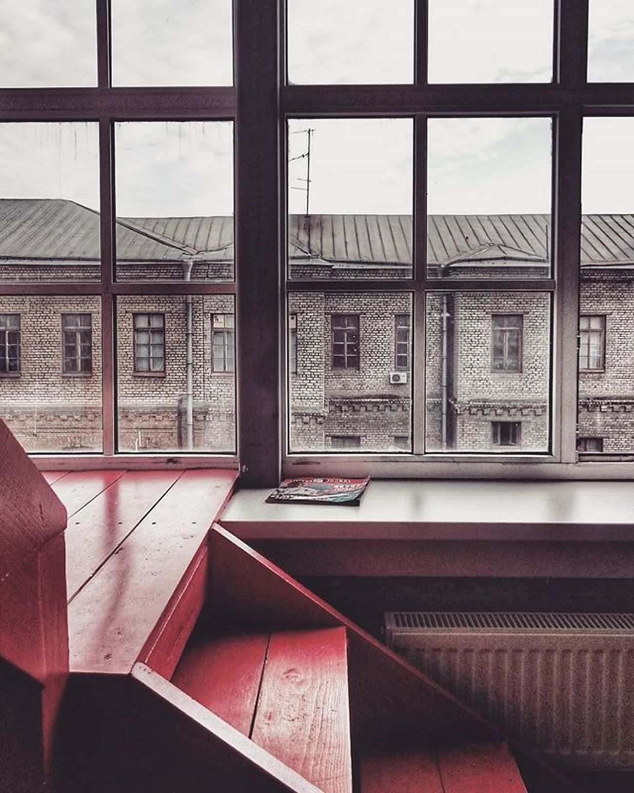 """You and I are like that red wall. It's a good idea in theory, but somehow it doesn't quite work"" © Vpeterburge My_love_spb Terminalphoto Interior Spb Spring2016"