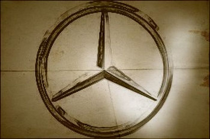 Mercedes Star Old