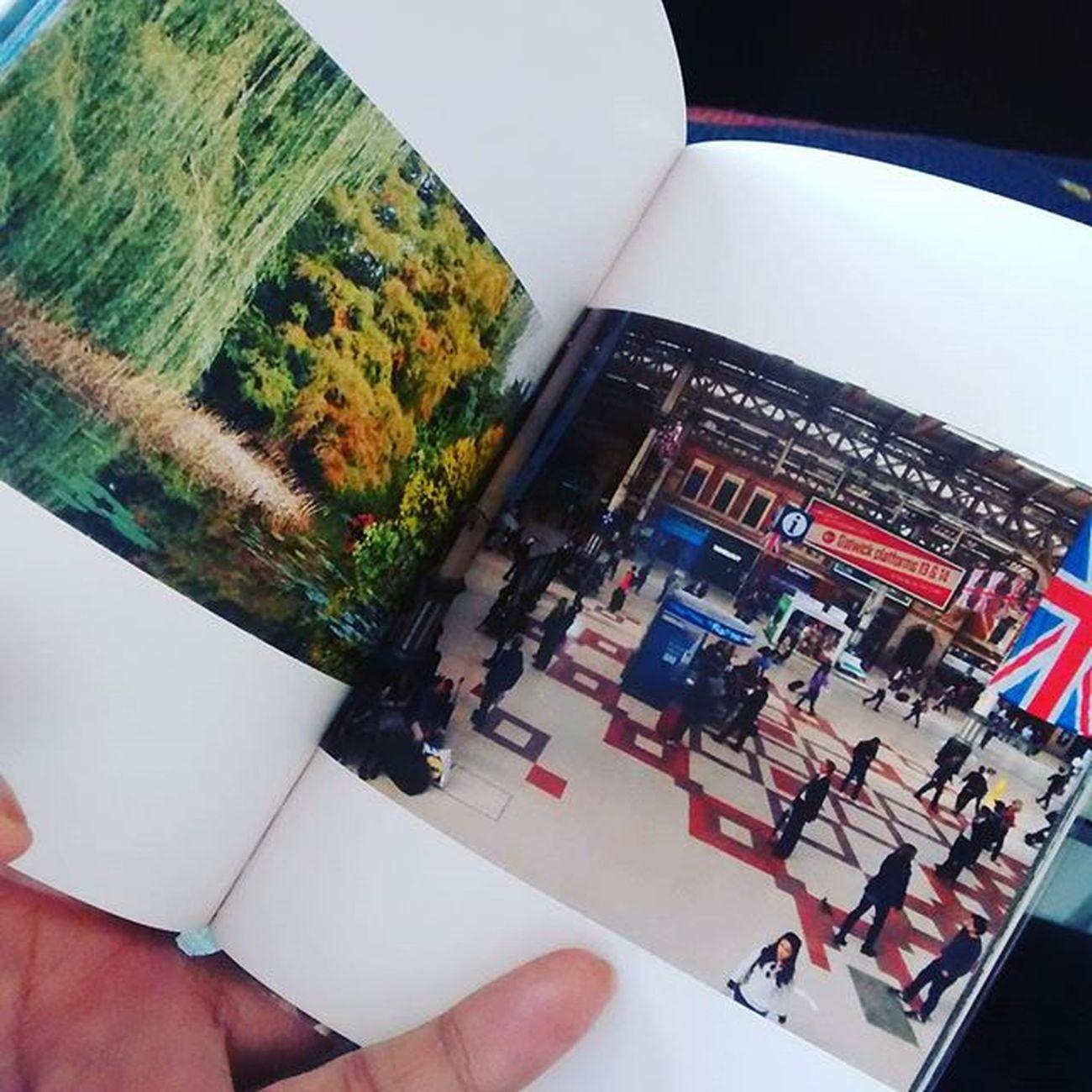 誕生日に頂いたTOLOTのクーポンで作った本がやってきた。 途中で写真の画角が違ってる。前に4x3より16x9の方が向いてるんじゃないって言われて変えてみたんだった。 あんまり並べて見ることしなかったから気がつかなかった。 どっちがいいかなぁ… Uk Photo Travel Tolot Book