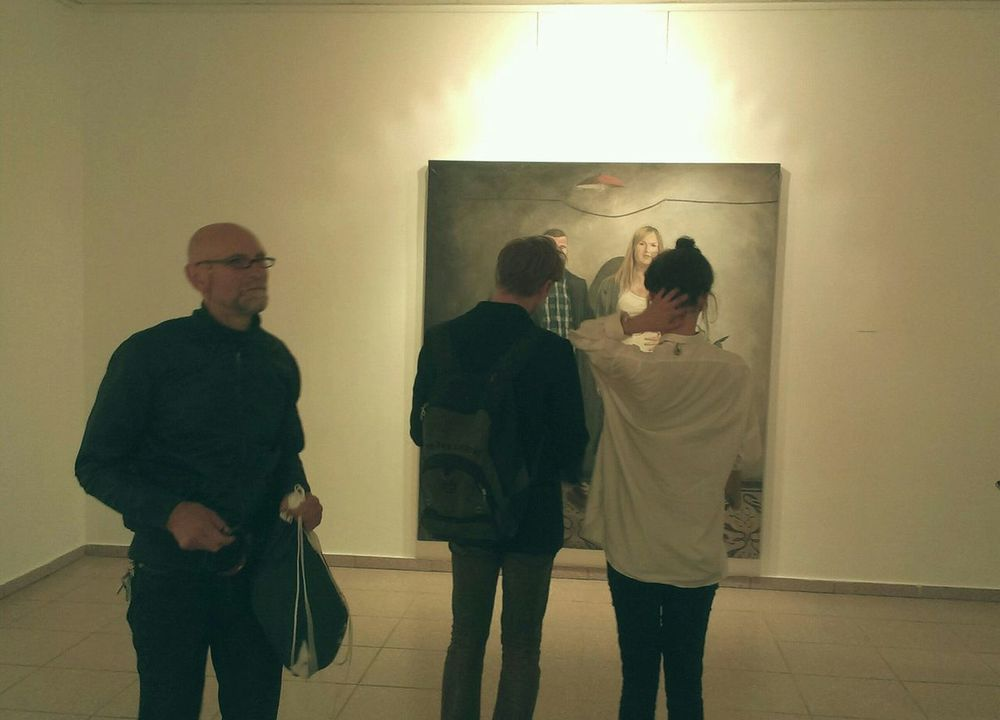 https://youtu.be/pkae0-TgrRU Snapshots Of Life Three Is The Magic Number Art Gallery Event Venue People Photography Three Is A Crowd Thinking About You EyeEm Best Shots Notes From The Underground People In Museum