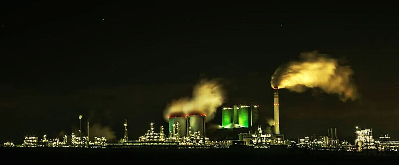 Night Smoke - Physical Structure Factory Motion Smoke Stack Air Pollution No People Outdoors Firework - Man Made Object @pixelpeat Canon600D Landscapephotography Landscape_lovers Nature Photography Landscape_photography Backgrounds Architecture Kraftwerk Langzeitbelichtung