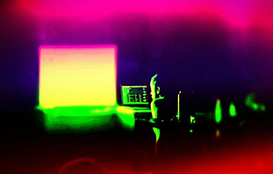Focus Illuminated Night Arts Culture And Entertainment Indoors  Check This Out Samsungphotography Klique Klique People Beautiful Woman Sick Edit Abstracts Maximum Edit Hello World Psychedelic Space Technology