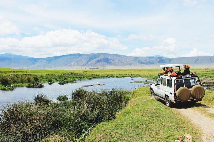 Safari, Range Rover, landscape, Africa, Tanzania, EyeEmNewHere Be. Ready. Be. Ready. Be. Ready. Be. Ready. Be. Ready. EyeEmNewHere EyeEmNewHere EyeEm Ready