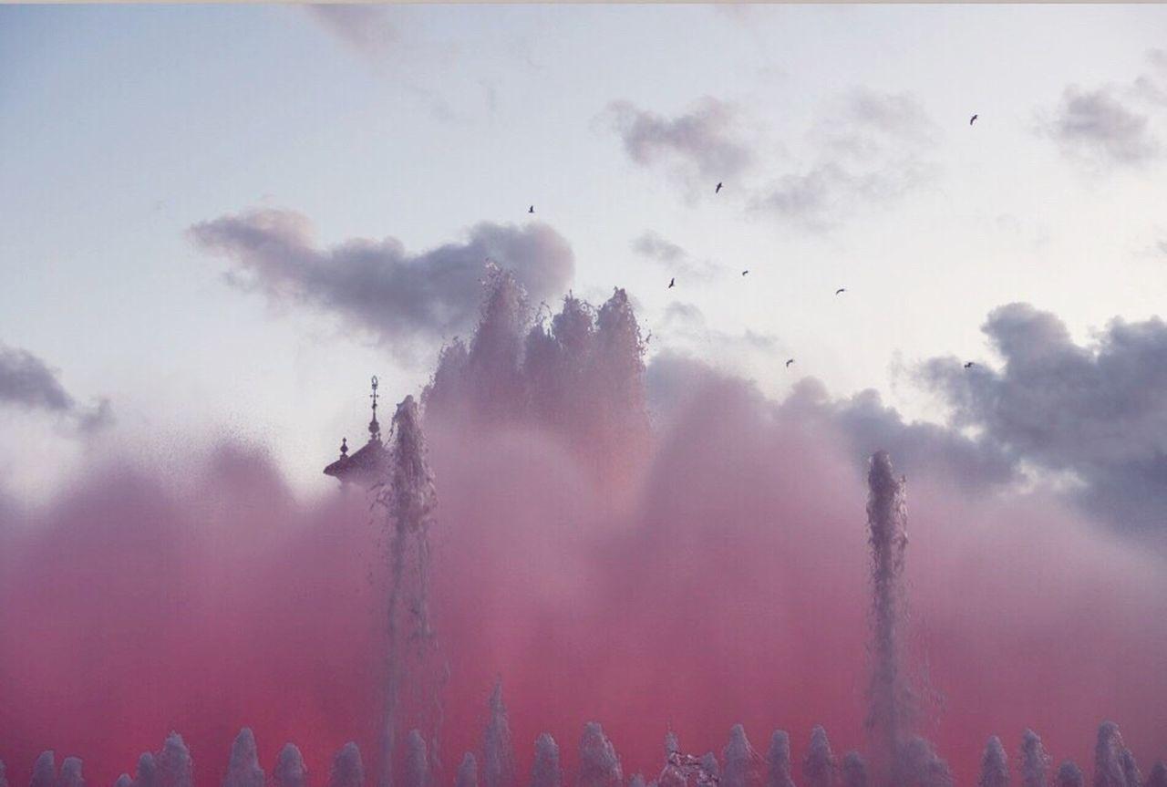 Millennial Pink Followme Like4like Likeforlike Barcelona Igerseurope Igers Vscocam Travel Fountain Show Follow4follow Water Beautiful Igersspain