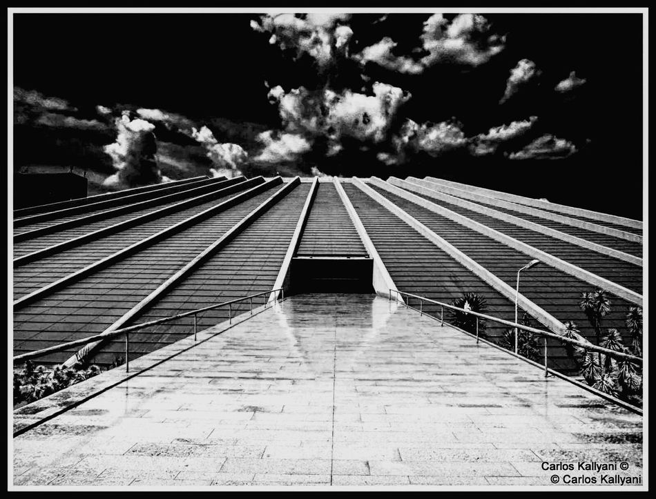 Teatro Sky No People Low Angle View Outdoors Cloud - Sky Architecture Foto Photography Eye For Photography Photo Fotografia EyeEm EyeEm Gallery EyeEmBestPics Fotoartegram EyeEm Best Shots EyeEm The Best Shots Eyeemphoto Céu Brasília Tourism City Brasília - Brazil Brasilia♡ Brasília Minha♥