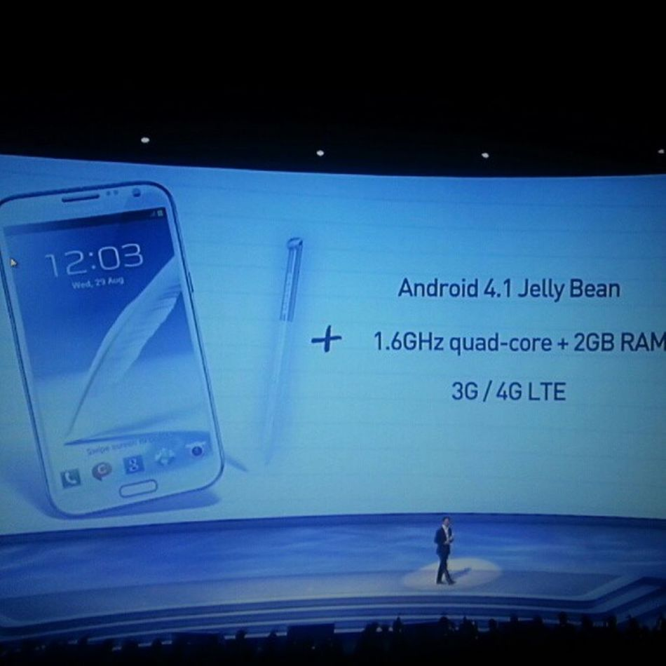 "Android Galaxy Note II Jelly Bean 1.6 GHz QuadCore 5.5"" Screen"