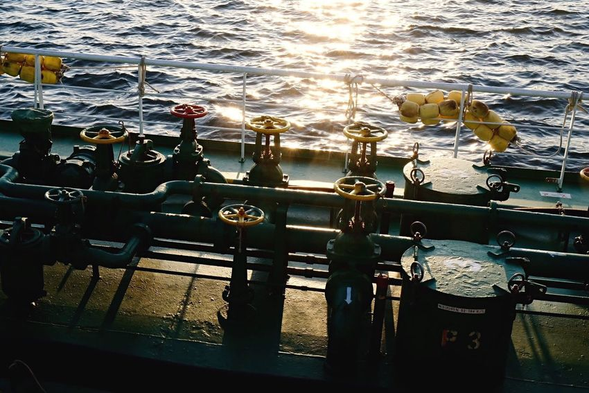 Transportation Outdoors Water Day Close-up Boat Deck On The Ship Light And Shadow Handle Reflection Golden Hour Sunlight Sunset_collection