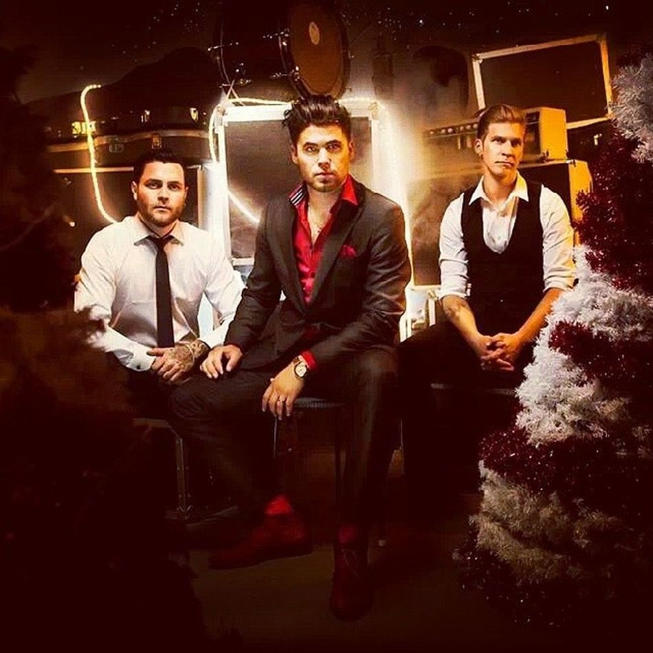 I need your love for christmas,please could you come back home! JohnLindbergtrio Music Christmas Jul bra rock rockabilly