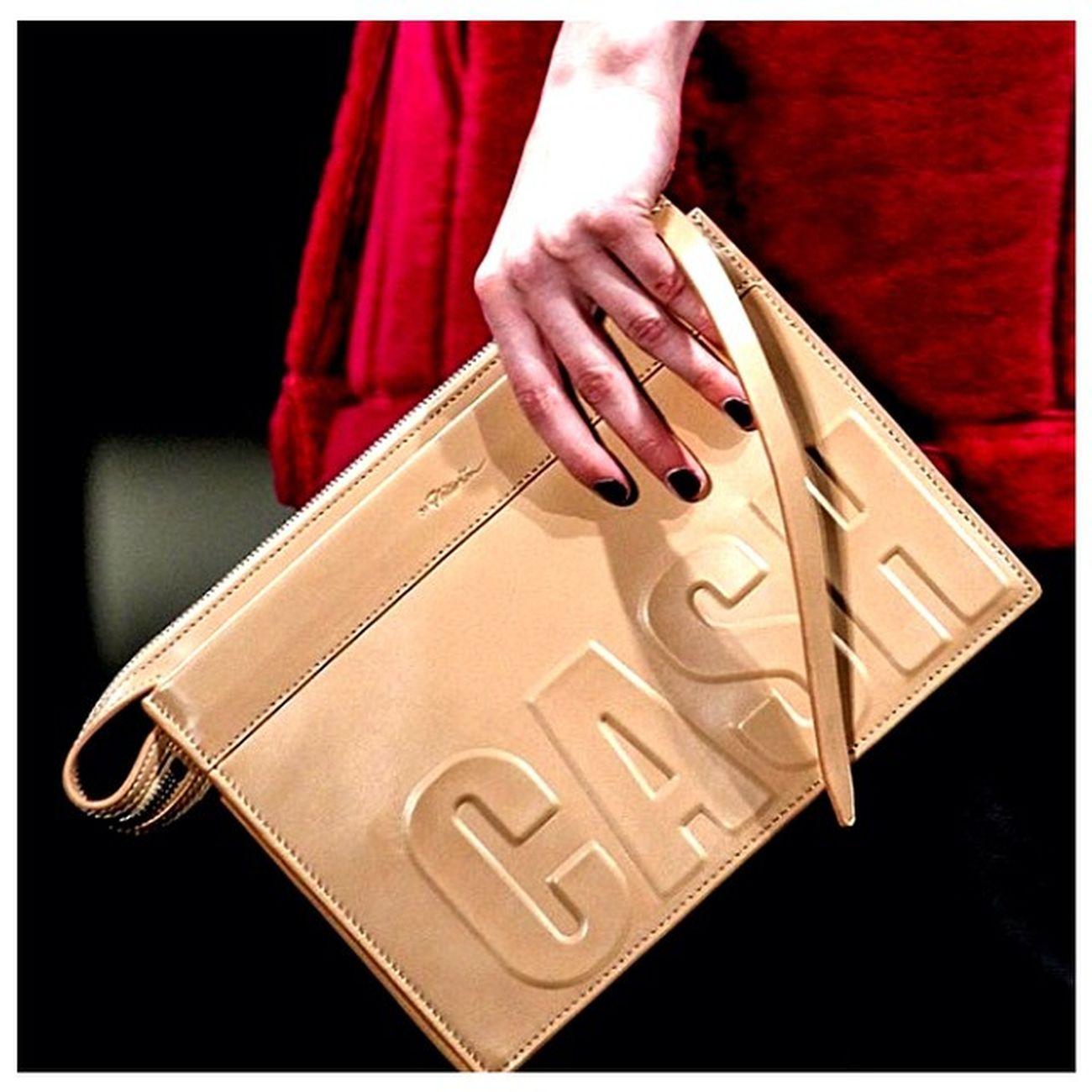"Sezonun en hit parçalarindan ""Slogan Çanta"" Philiplim Bags Fashion Style stylish love beautiful styles fashionnight TagsForLikes photooftheday"
