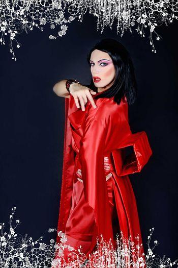 Popular Photo Geisha Perfect Madonna www.crystalshow.com.ua