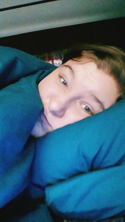 My eyes look so grey... Weird. i was cold and didn't feel good.