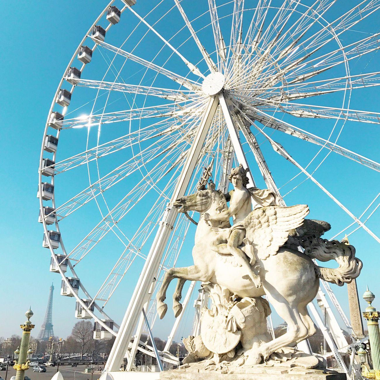 Bon week-end! Good morning Paris! Statue Sculpture Ferris Wheel Clear Sky Paris ❤ Eyem Best Shot - Architecture Photooftheday EyeEm Best Shots Paris Parisweloveyou Architecture