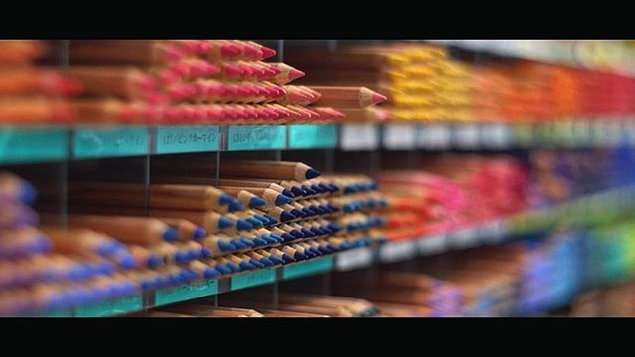Crayons Pencil Color Colorful Bokeh Picture Photo CameraMan Photographer Fujifilm Fujixe1 Fujithailand Xe1 Lens Manuallens Cannon Vintagelens Canonfd50mm Canonfd50mmf1_4 50mm F1_4 50mmlens Tokyo Japan