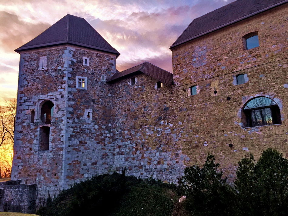 Architecture Building Exterior Built Structure Castle Castle Walls Church Colour Explosion Colourful Day Exterior From My Point Of View History House Ljubljana Ljubljana Slovenia Old Outdoors Place Of Worship Religion Residential Structure Rock Ruined Town Wall Wall - Building Feature