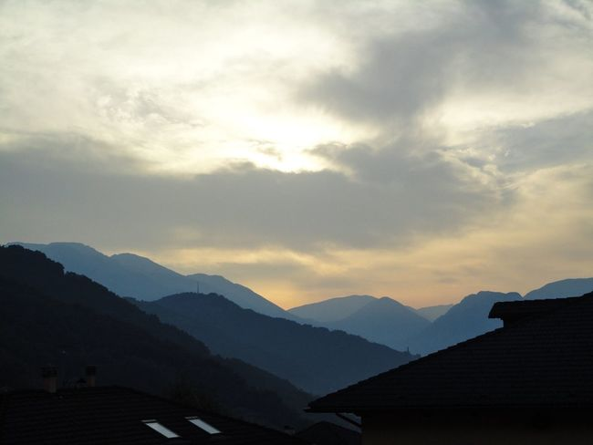 Cobalt Blue By Motorola Clouds And Sky Landscape Nature Blue Sunrise Mountains View Looking To The Other Side Throw A Curve Luglio 2014