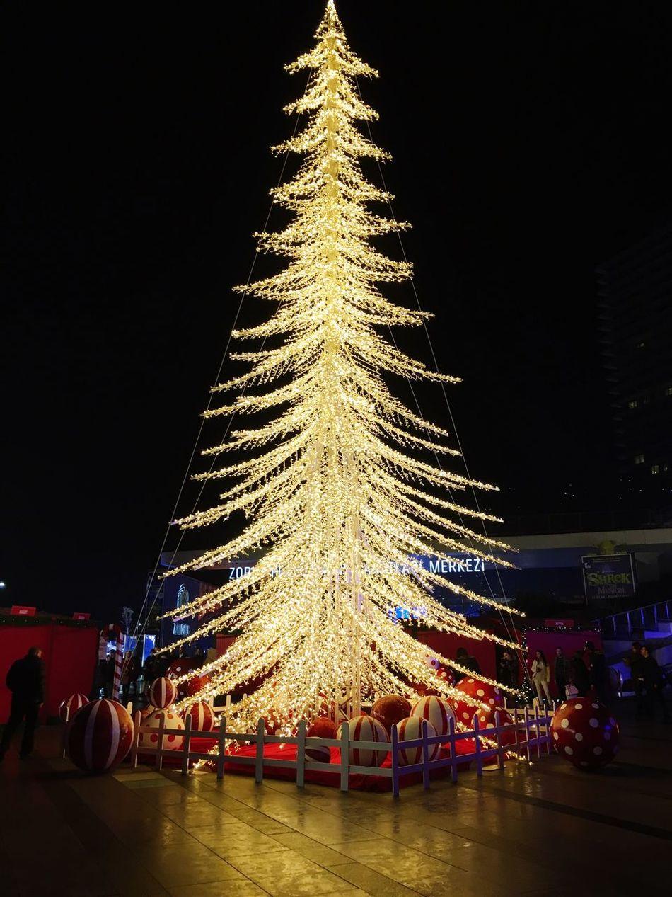 Istanbul Turkey Istanbul Zorlucenter Noel2016 Yılbaşı Ağacı Yılbaşı Ağacı Cristmas Marry Christmas