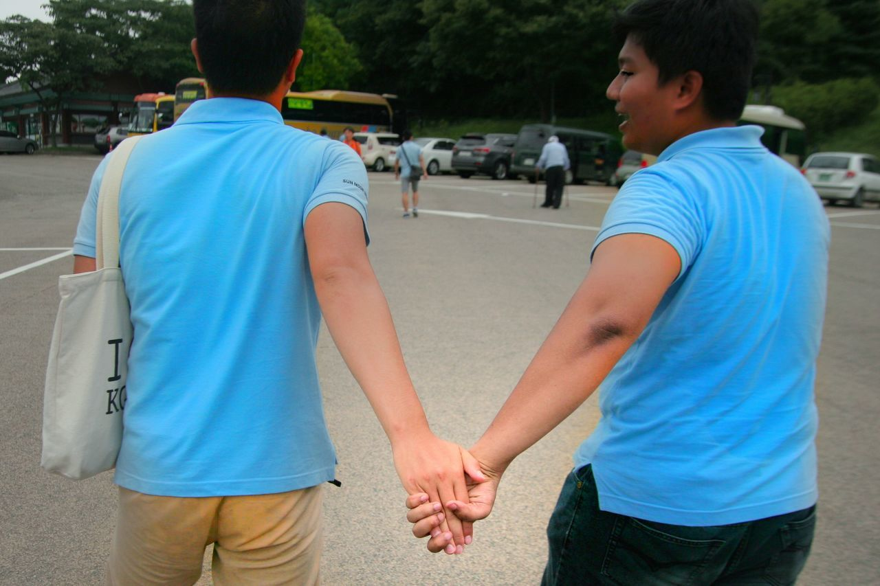 The Drama Queen - found a gay couple together holding hands...they're so happy and i admire that. Lovers Togetherness Couple Friendship Outdoors Happiness Asian Culture Sport Love Family Summer Fashion Golf Club Where Do Broken Hearts Go? South Korea 한국 Holding Hands Happiness Gay Love Gay Pride Gay Leisure Activity Golfer Long Goodbye Resist EyeEm Diversity