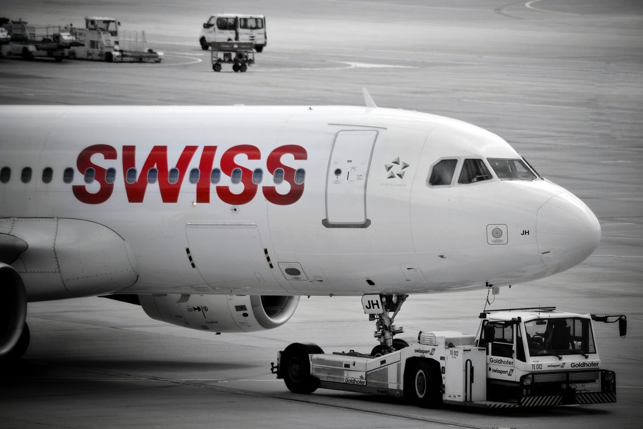 Airport Zurich Airplane Shot Airplane Airplaneview Airportlife Plane Airportphotography Airport Transportation Airplane Start Swiss Swissairlines Colorkey Monochrome Photography Monochrome Photograhy Black & White Photography Taking Photos My Point Of View The Week On EyeEm Your Ticket To Europe First Eyeem Photo