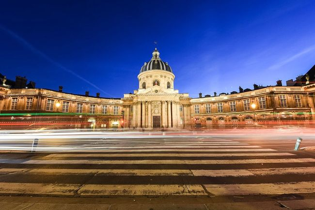 Bonsoir Paris! Good Evening Paris Check This Out Streetphoto_color EyeEm Best Shots Paris Parisweloveyou Eyem Best Shot - Architecture Architecture EyeEm Best Edits