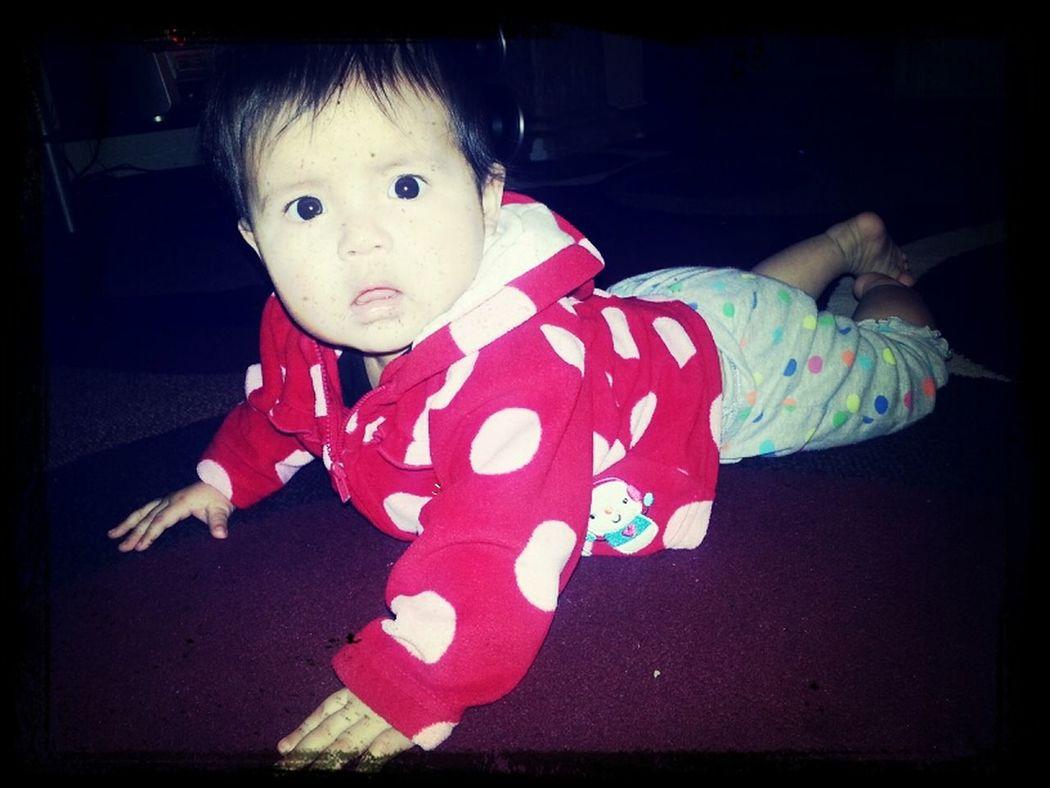 my baby gateando lol:)