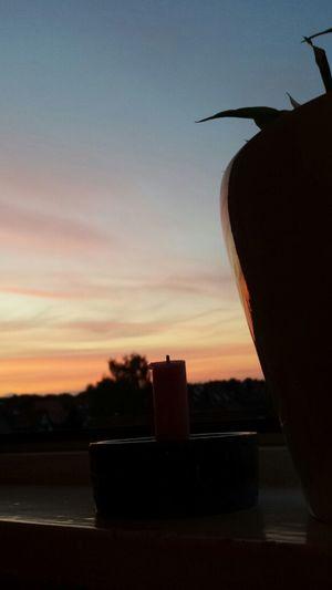 himmelrot. kerzenschimmer. fensterblick. Sky Colour Candle Light Candle Night no filter