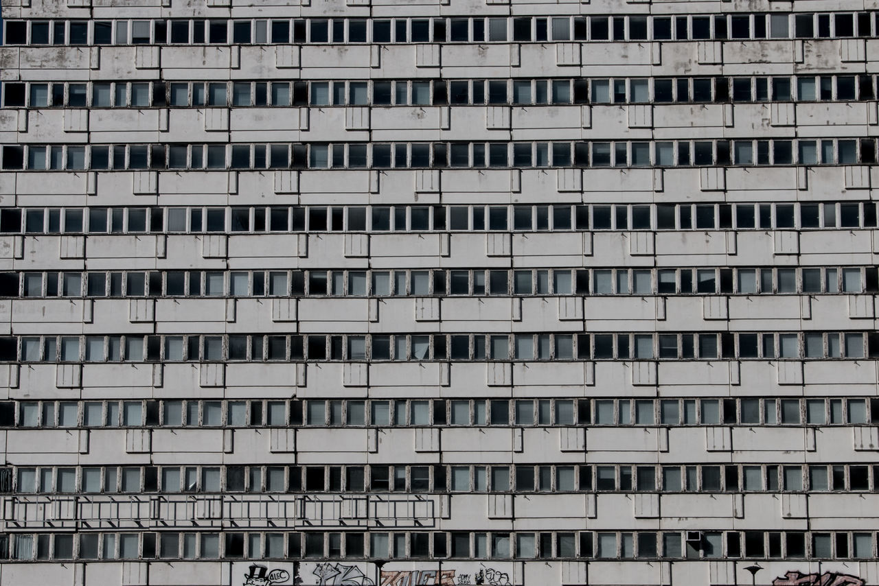 architecture, building exterior, window, built structure, city, full frame, day, residential building, apartment, housing development, outdoors, no people, residential, ghetto, cityscape