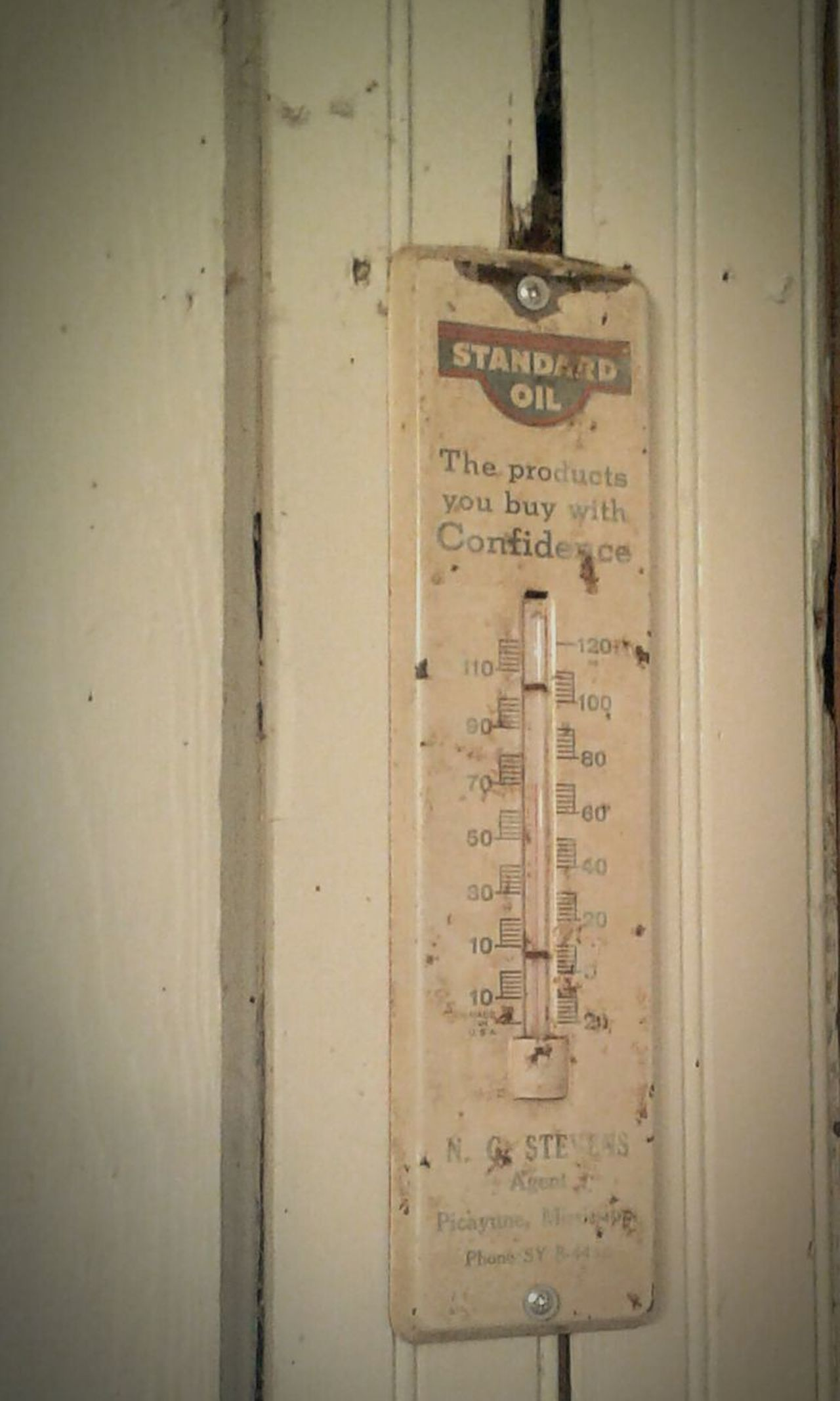 Temperature Thermometer Old Buildings Oldhouse Distressed Chipped Paint Flake Vintage Antique Oddities Collection Random Minimalism Communication Text Indoors  No People Hanging Day Close-up